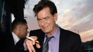 "Sunnyboy oder Mr. Bad Guy? Wir von hot and more verraten euch die Details der Sex-Akte: Charlie Sheen "" Porno-Affären """